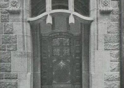 Eingang Westansicht Villa Noelle